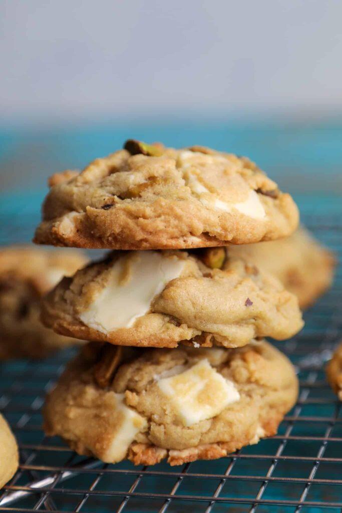 white chocolate pistachio cookies