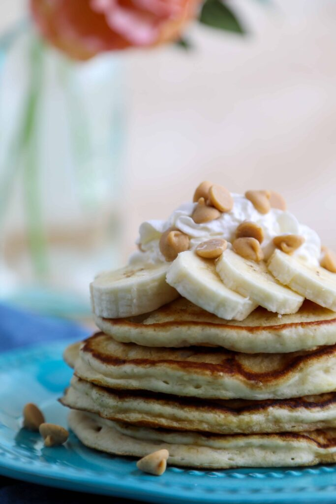 the best peanut butter and banana pancakes