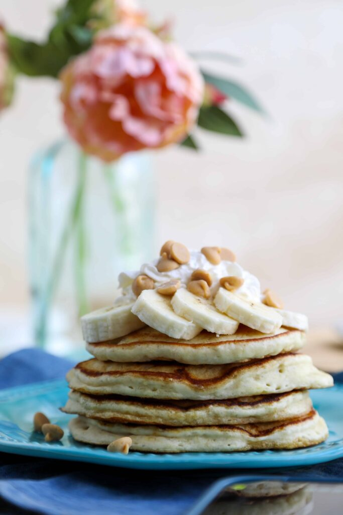 the best peanut butter and banana panacakes