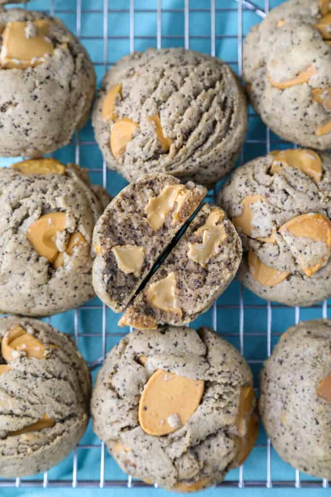 caramelized white chocolate and espresso cookies